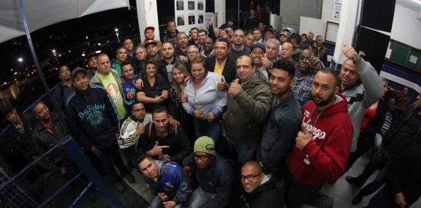 Perto do Trabalhador: Presidente Sorriso continua visitas às garagens