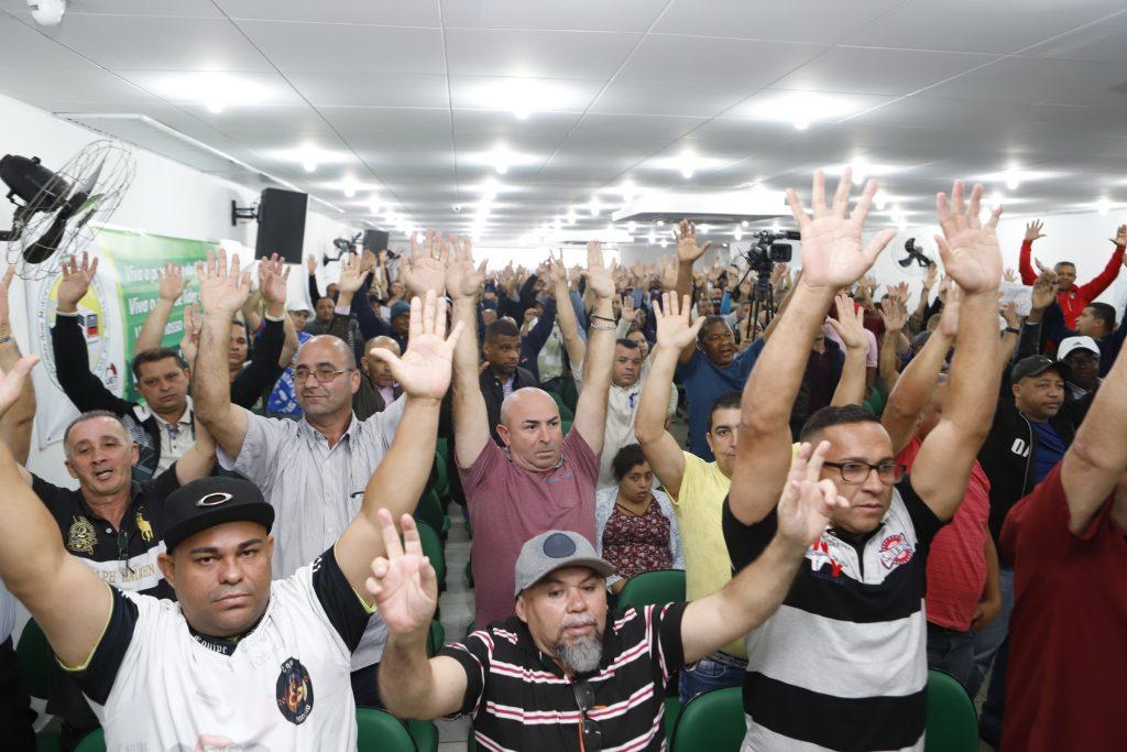 Em assembleia, trabalhadores aprovam prestação de contas do SINDMOTORISTAS