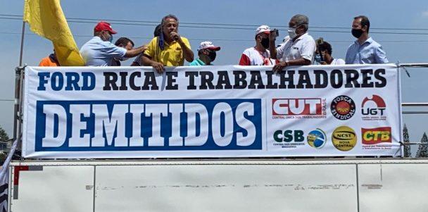 Sindmotoristas se solidariza e marca presença no ato de repúdio contra a saída da Ford do Brasil