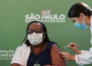 ANVISA aprova uso emergencial das vacinas CoronaVac e AstraZeneca no Brasil