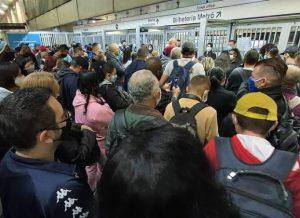 Greve paralisa 4 linhas do Metrô de SP nesta quarta-feira