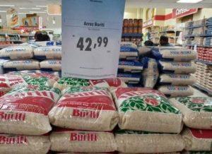 O arroz está caro e pode subir ainda mais, diz associação de supermercados