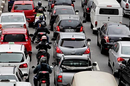 Mudança no Código de Trânsito é aprovada e regulamenta corredor de motos
