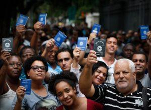 Pandemia agrava problema crônico do Brasil: a desigualdade econômica