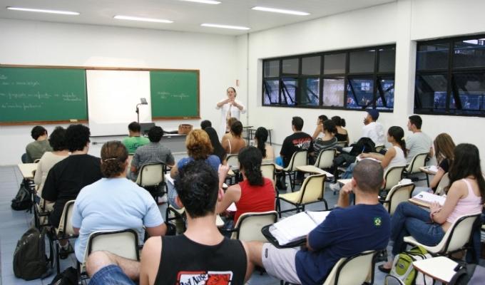 Sindicato firma novas parcerias com escolas e universidades