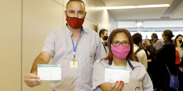 Após vacinação, casos de Covid-19 diminuem na categoria