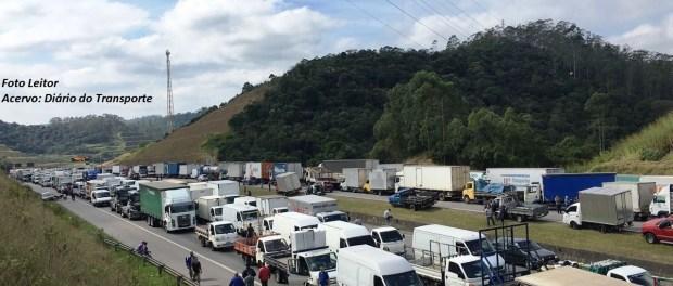 Polícia Rodoviária Federal diz ser falso documento que fala em possível greve dos caminhoneiros