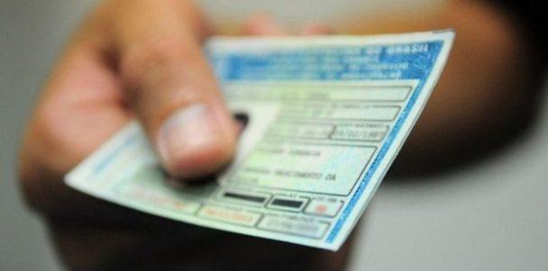 """Motoristas: cuidado com """"empresas"""" que prometem  evitar a suspensão ou cassação da CNH"""
