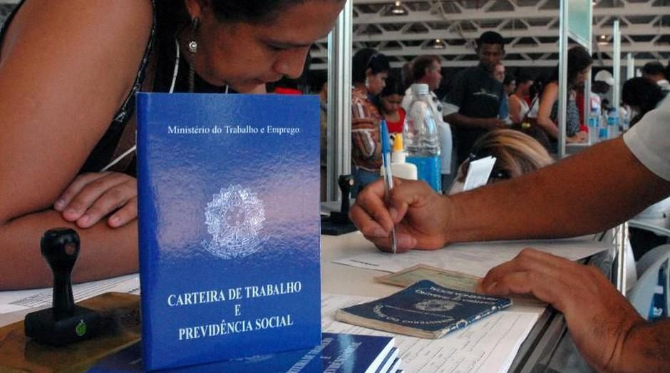 Coronavírus: Brasil fecha 860 mil empregos formais no pior mês de abril em 29 anos
