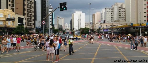 Ônibus e trânsito têm esquema especial para bloquinhos de Carnaval em São Paulo nesta segunda-feira, 12