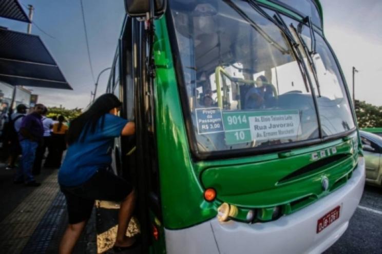 Validade de até 40 anos de nova licitação dos ônibus é criticada