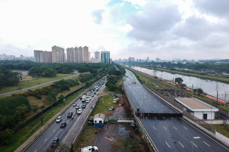 Situação precária de viadutos de São Paulo preocupa a população